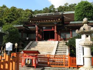 1024px-Kisyu_Toshogu_tomon